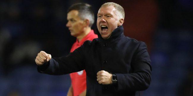 Paul Scholes, legenda Manchester United ini mengakhiri karirnya sebagai manajer Oldham
