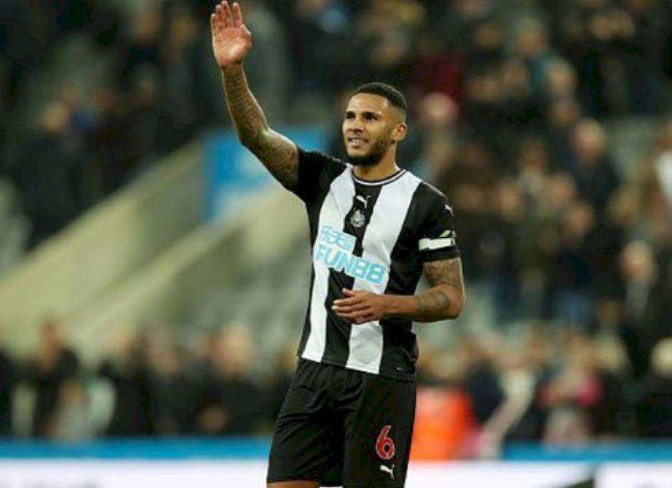 Kapten Newcastle Kembali Ke Bisnis